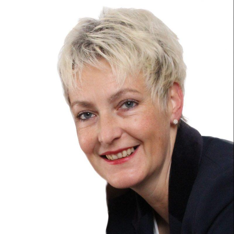 Portrait von Nora Reiche-Hupel